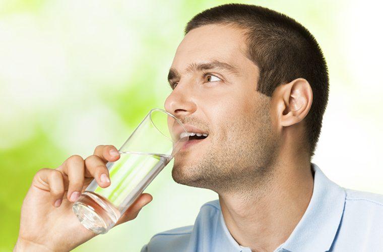 Voda je vrlo važna u prevenciji bubrežnih kamenaca