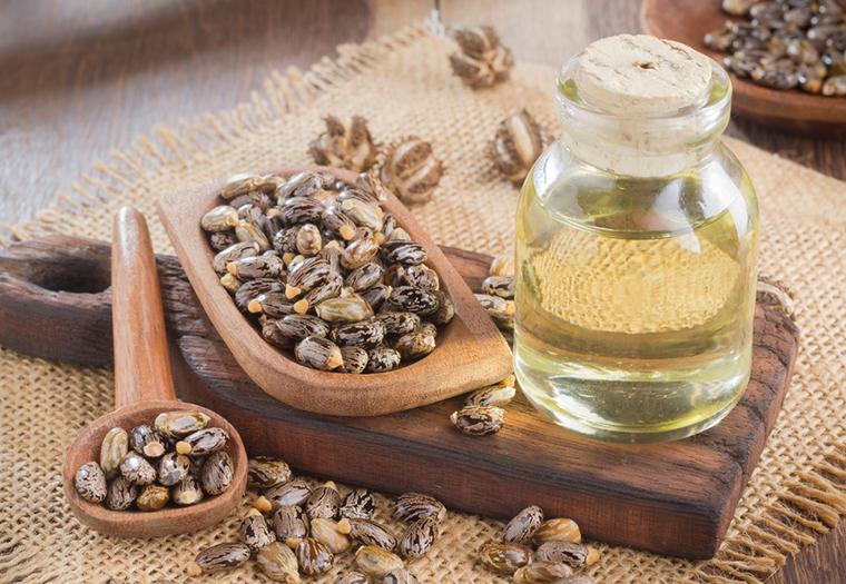 Ricinusovo ulje: Smiruje akne, obnavlja suhu kožu...