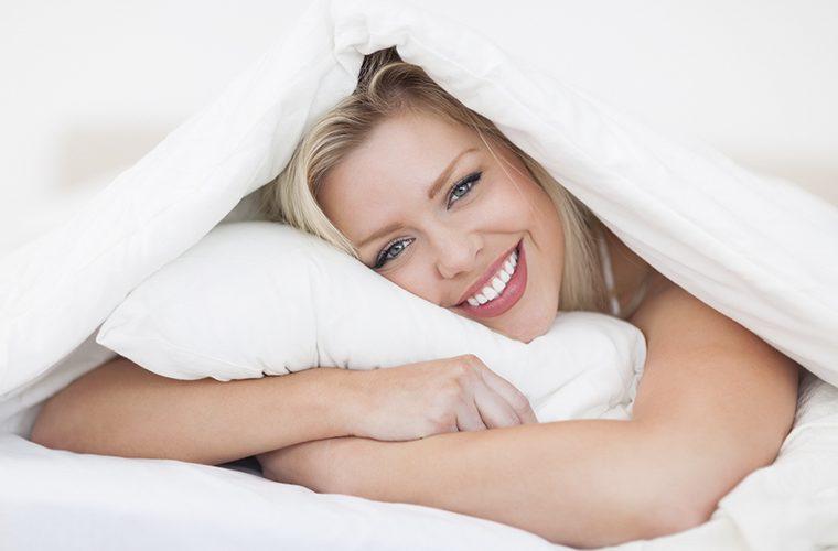 Spavanje u hladnoj sobi korisno je za mršavljenje