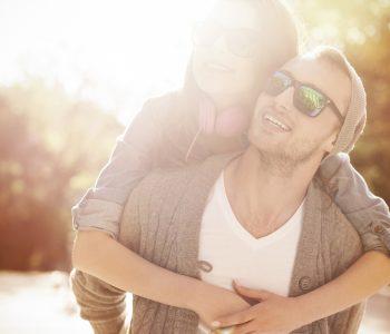 Zaštitite oči od sunca sunčanim naočalama