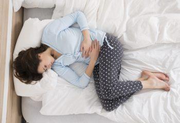 Bolovi u trbuhu jedan su od simptoma dispepsije