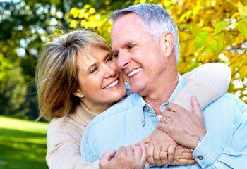 Pokažite zube godinama: Naučite sve o pravilnoj njezi zubne proteze