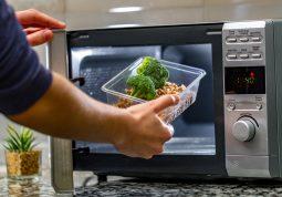 mikrovalna pećnica i je li hrana iz mikrovalke dobra za zdravlje