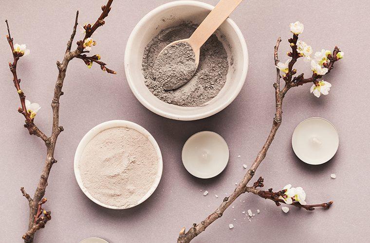 Glina je od davnina najmoćnije prirodno sredstvo detoksikacije kože stoga je odaberite za dubinsko čišćenje kože