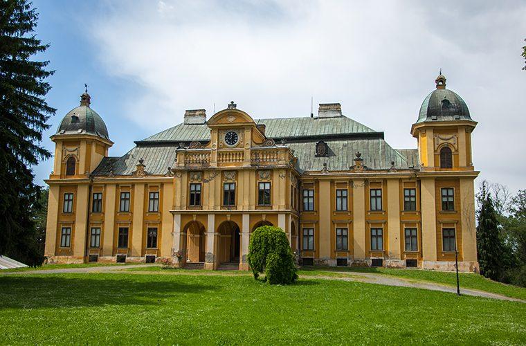 Dvorci Hrvatske Dvorac Pejacevic