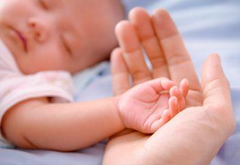 stucanje bljuckanje povracanje roditelji djeca novorodencad
