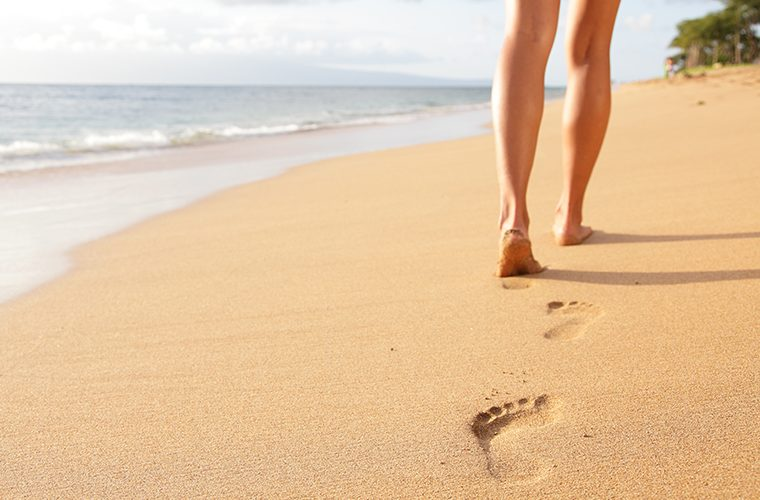 bose noge bosonogo hodanje povratak prirodi stopala stres imunitet opustanje