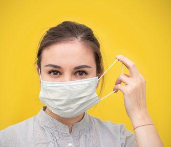 akne maskne nosenje maski zastitne maske koza lica perioralni dermatitis dermatitis koronavirus pandemija