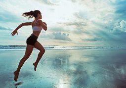 ljetni fitness vjezbanje trening rekreacija more plivanje trcanje nordijsko hodanje zdravlje