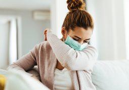 izolacija simptomi koronavirusa karantena