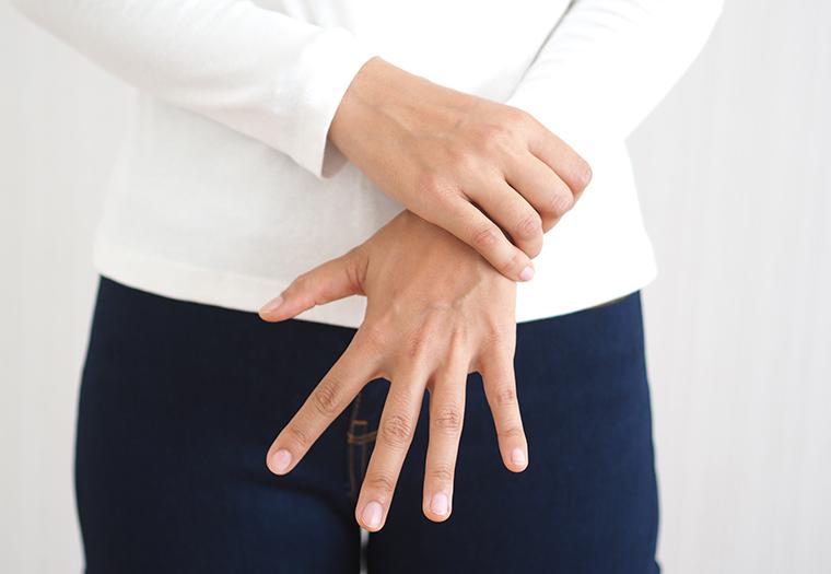 ganglion higrom kvrzica u zglobu cista
