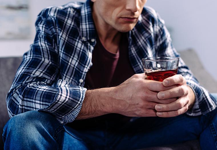 alkoholizam lijecenje konzumacija alkohola ovisnost alkoholicari pomoc