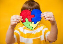 Svjetski dan svjesnosti o autizmu Budi AUT autizam djeca poremecaj iz spektra autizma