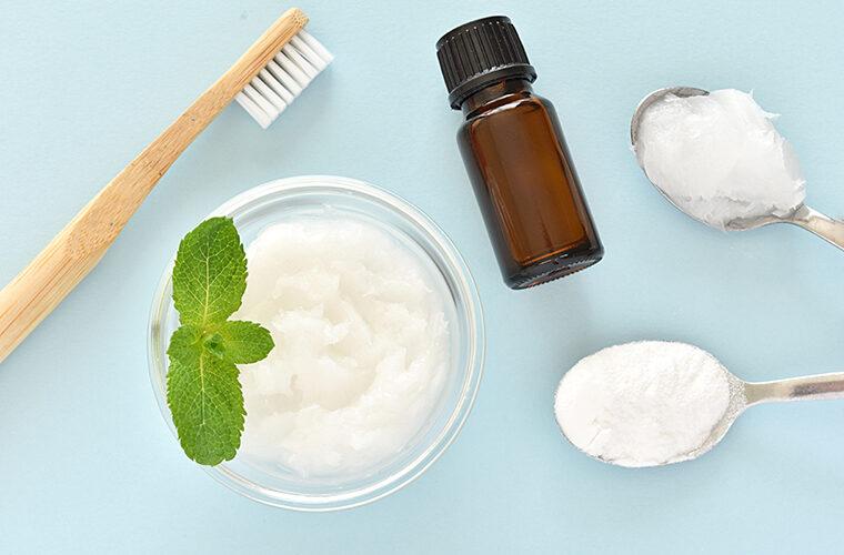 prirodno izbjeljivanje zubi soda bikarbona ulje limunske trave jabucni ocat