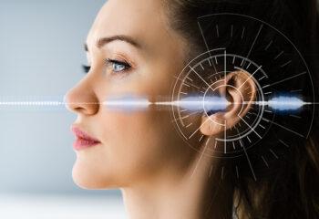 kontaktna leca za uho