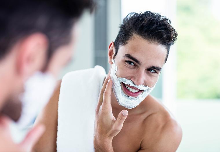 brijanje brade britvicom